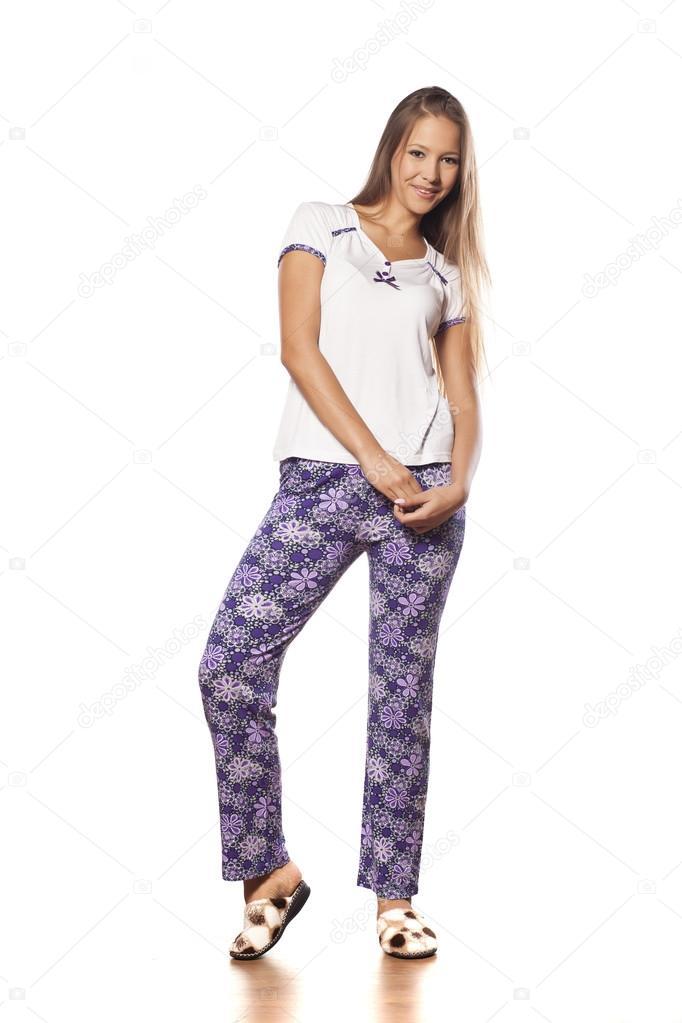f820d05414 chica en pijama — Fotos de Stock © VGeorgiev  83667732