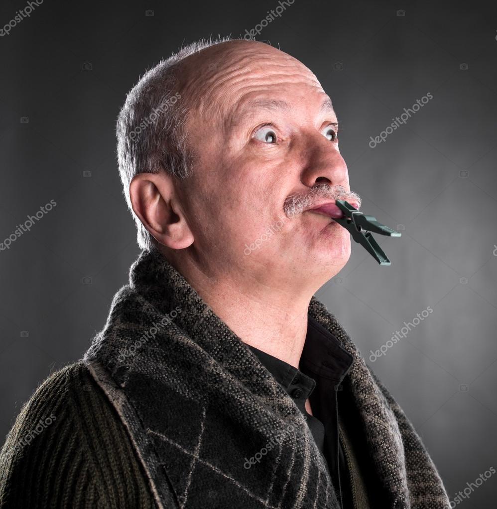 Αποτέλεσμα εικόνας για φωτογραφία ανθρώπου με κλειστό το στόμα
