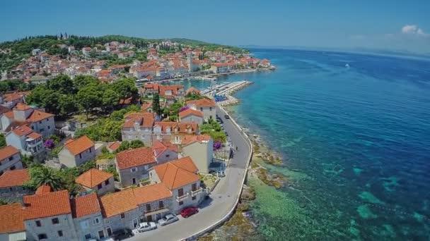 Sutivan na ostrově Brač, letecký snímek