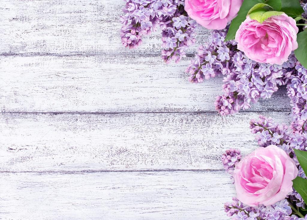 Flores Lilas Con Rosas Sobre Fondo