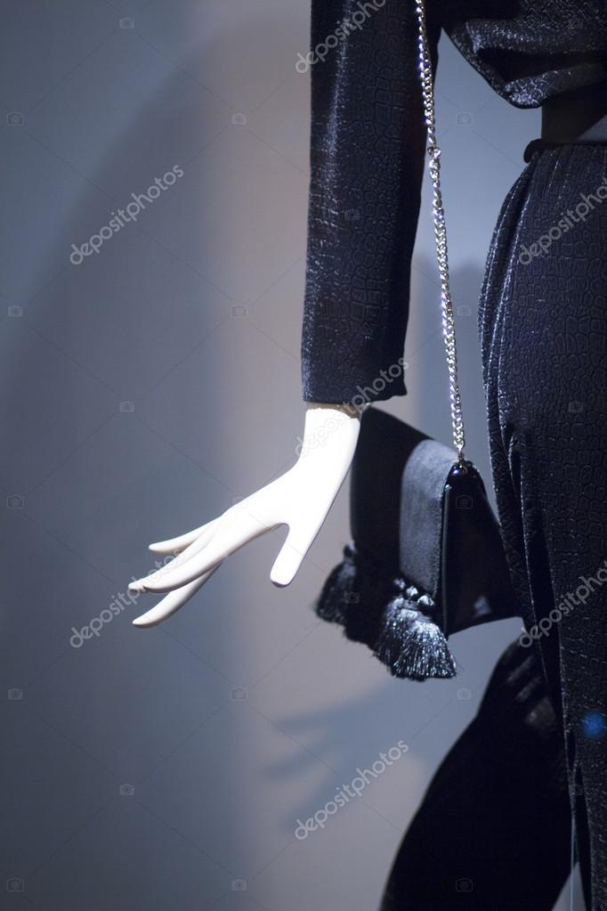 a9a1e3ed0fbf Mano de maniquí de tienda maniquí de moda ropa — Foto de stock ...