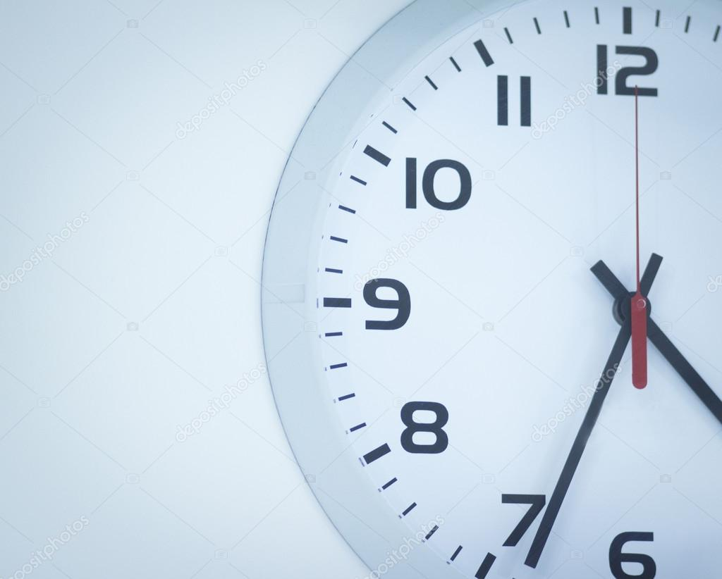 b0e2d107b54 Relógio de sala de cirurgia do hospital — Stock Photo © edwardolive ...