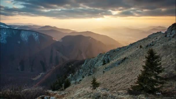 Časová prodleva při západu slunce v Mountain Slovensko, Malá Fatra