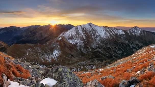 Barevné svítání horské krajiny panorama, Slovensko