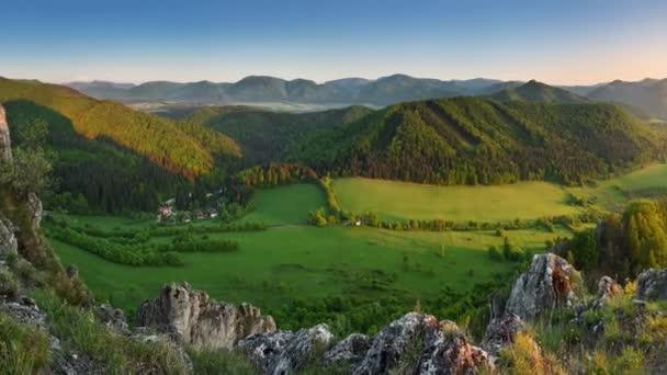 Jaro a léto v Slovensku mountain - Motion video