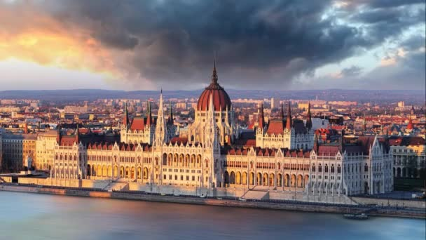 Budapest Parlament drámai Sunrise - idő telik el