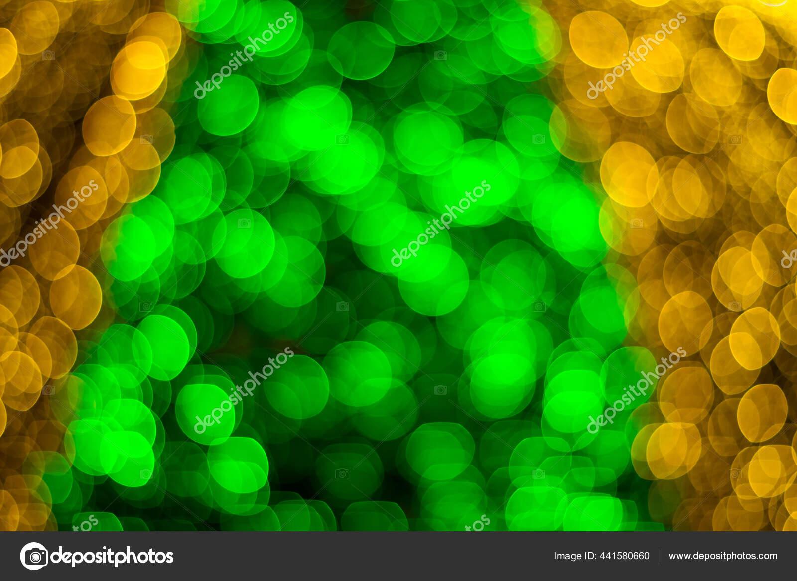 Latar Belakang Bokeh Glitter Yang Terbuat Dari Dekorasi Pohon Natal — Stok  Foto © Julimail81 #441580660