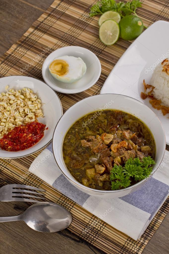 nasi rawon, Indonesian beef soup