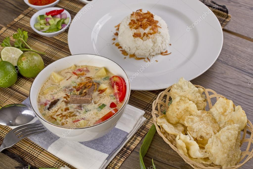 soto betawi, Indonesian meat soup