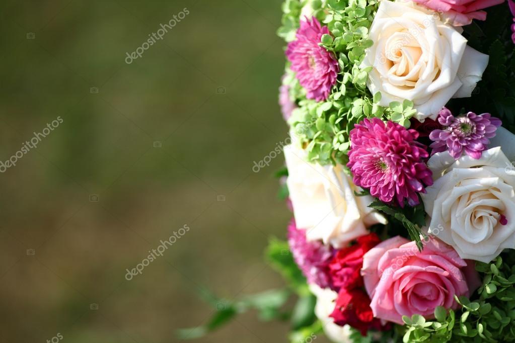 Unas rosas hermosas — Foto de stock © bizoon #62387969