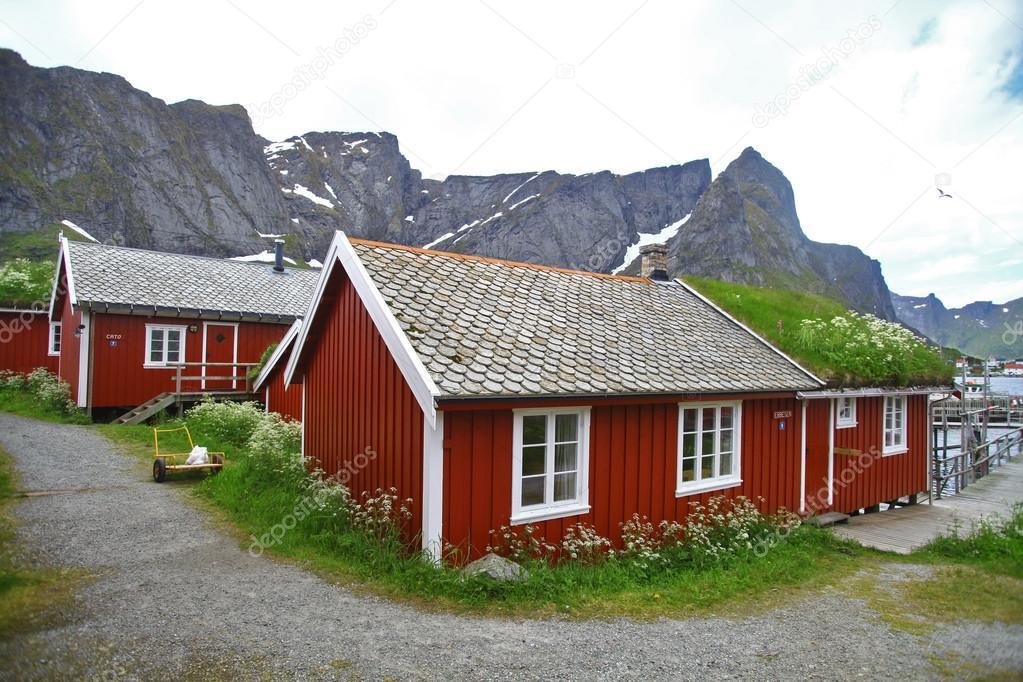 traditionelle h user in lofoten norwegen stockfoto bizoon 86138034. Black Bedroom Furniture Sets. Home Design Ideas