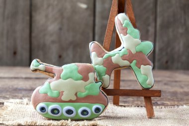Homemade Gingerbreads in the form of a tank and fighter aircraft
