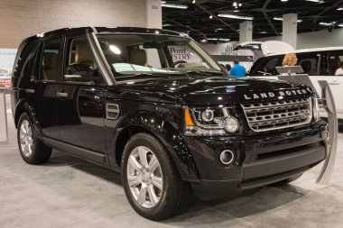 Range Rover LR4 at the Orange County International Auto Show