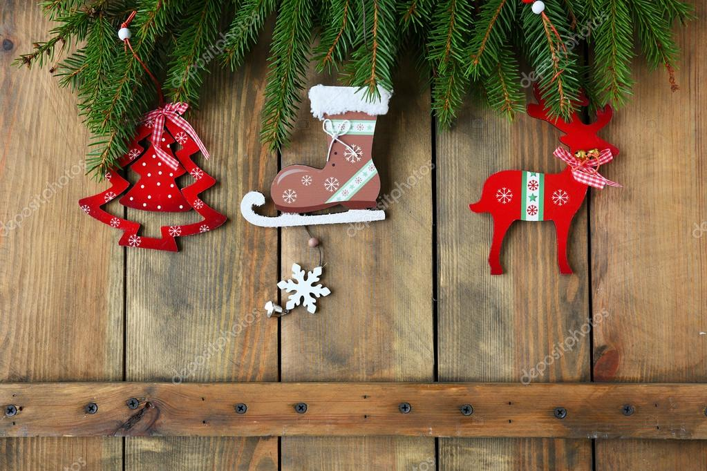 antiker Weihnachtsschmuck auf Brettern — Stockfoto © olhaafanasieva ...