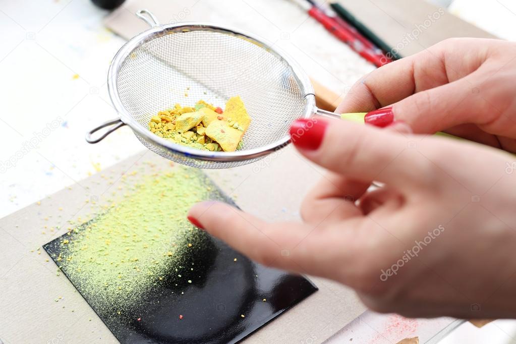 Pittura Su Piastrelle Di Ceramica : Vernice per piastrelle come dipingere il pavimento casafacile