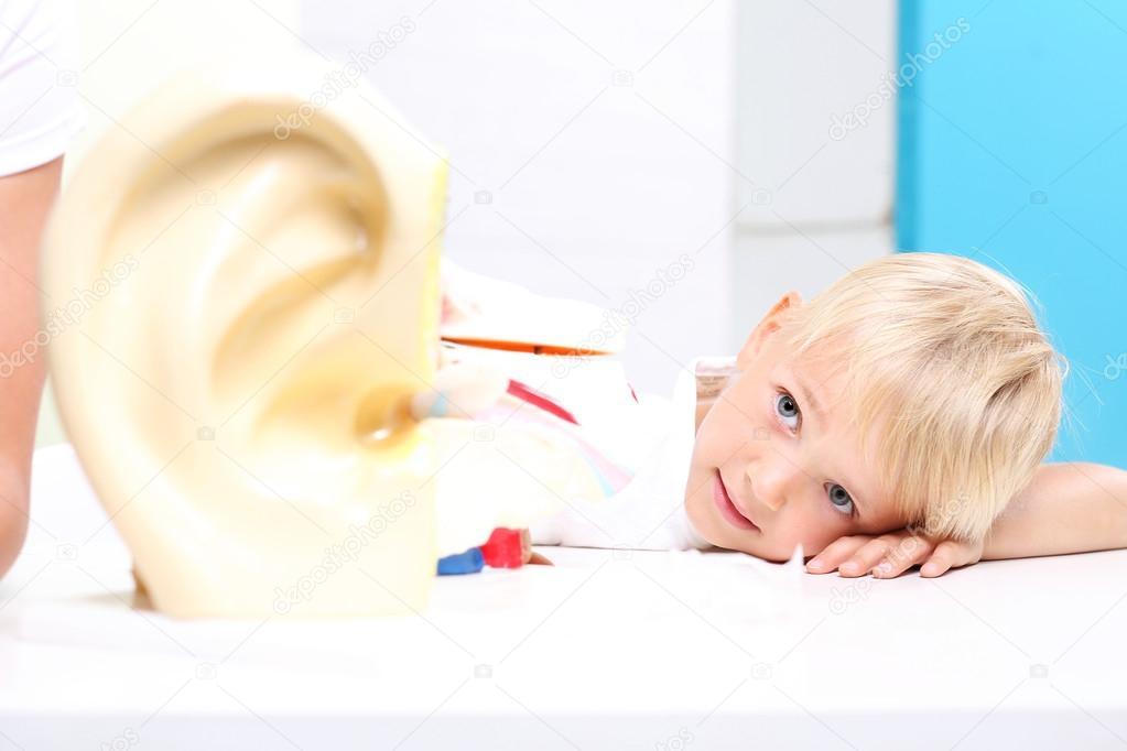 Anatomie eines Kindes auf Biologie-Unterricht — Stockfoto ...