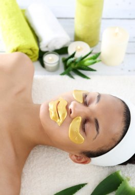 Gold mask, skin care around the eyes and mouth