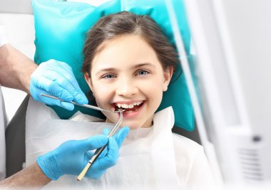 Child to the dentist