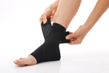 Foot injury, compression bandage