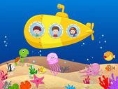 Fumetto bambini felici in sottomarino
