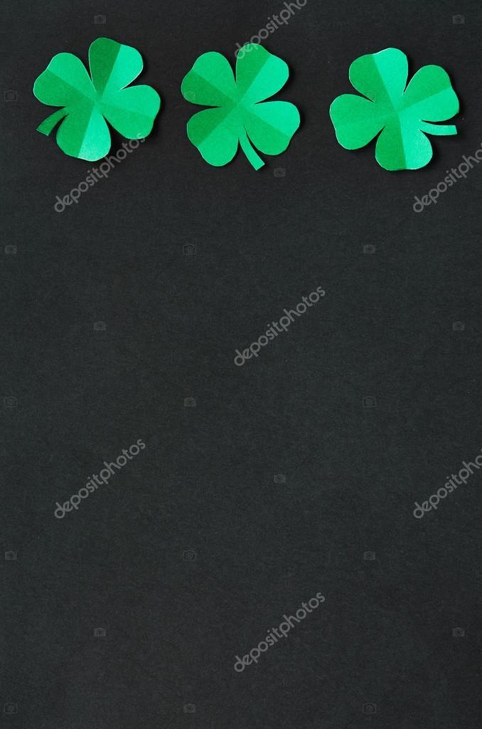 Trébol de trébol verde esmeralda papel hojas marco de frontera en el ...