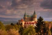Fotografie Romantický zámek Bojnice během sunfall, Slovensko