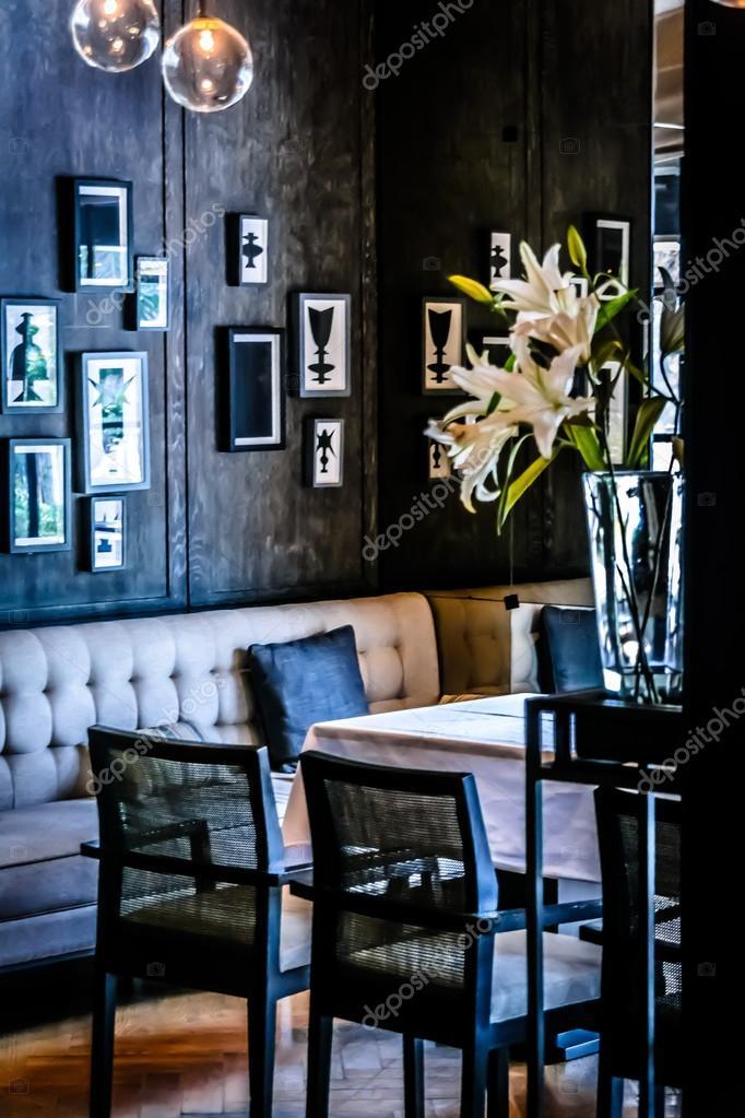 Elegante sala da pranzo o ristorante francese — Foto Stock ...