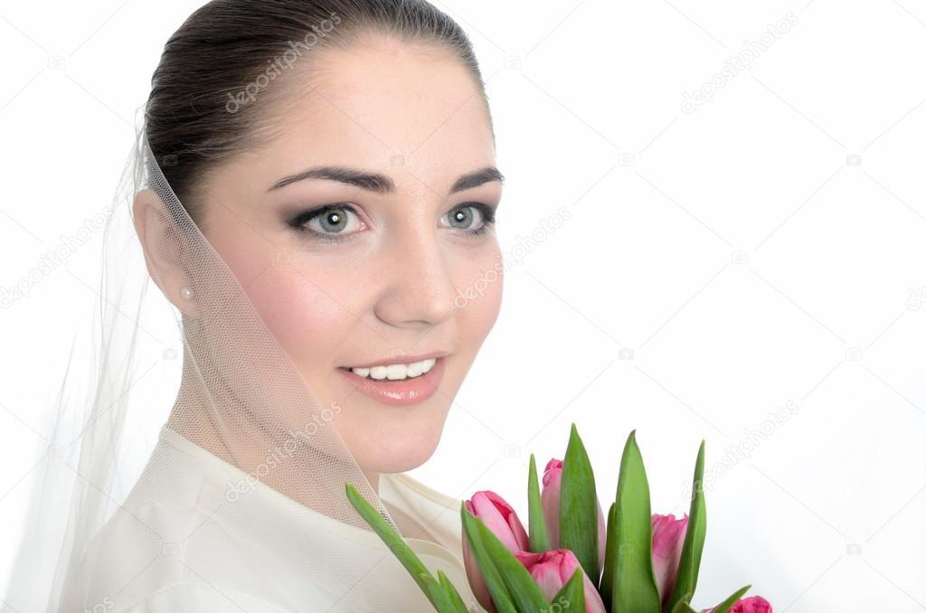 Букетик невесты белая вуаль, большие магазины цветов в санкт-петербурге