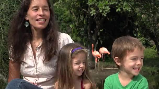 šťastné matky a děti
