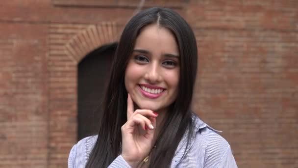 Roztomilý rozkošné mladé dospívající žena