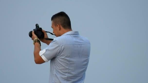 Mužské Fotograf brát fotografie