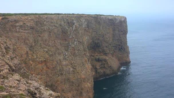 Tengerparti sziklák az óceán