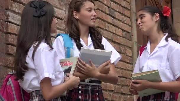 Studentky s knihami