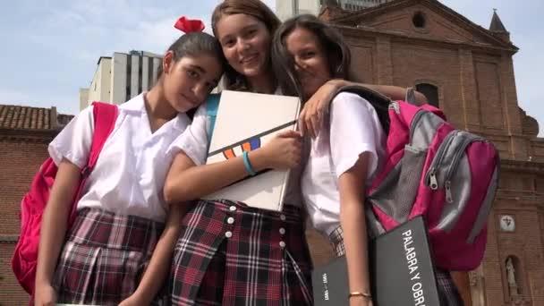 Teen studentek a přátelé