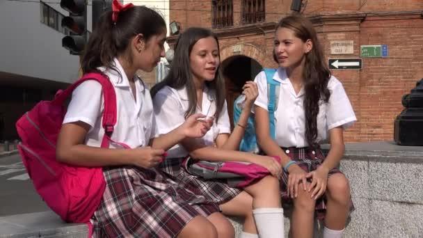 Teen dívky spolužáci