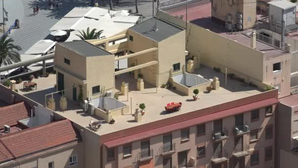 Budování střechy a střechy
