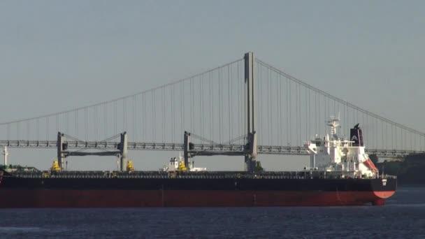 teherszállító hajók, teherhajók, konténerszállító hajók, csónakok