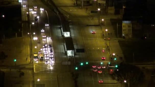 noční provoz, světlomety, auta, řízení