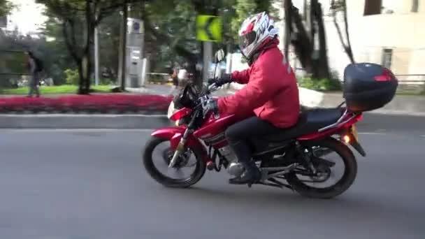 motocykly, skútry, mopedy, doprava