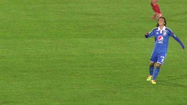 Március 14 2014 - Bogota, Kolumbia - foci védelmi vesztes labda