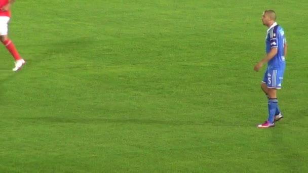 Március 14 2014 - Bogota, Kolumbia - futballista labdát futni