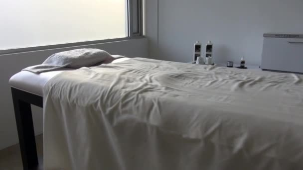 Massage Table, Spa, Masseuse