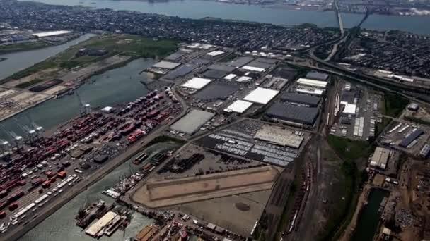 Nákladní dok, loděnice, nákladní, lodní průmysl