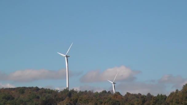 Mulino a vento, energia pulita dal potere di eolico, energia elettrica