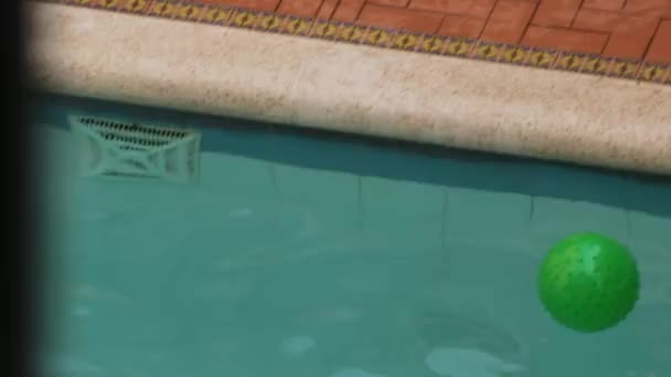 Detailní záběr na bazén