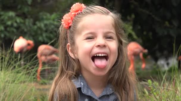Bambino femminile recitazione Silly