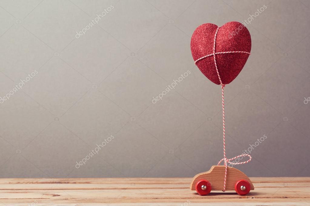 Voiture Ballon Jouet Et Coeur Forme sdCrQBxth