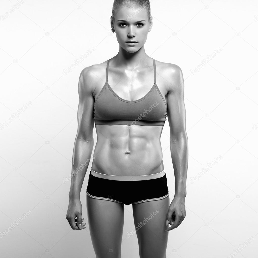 monochrome Portrait sportliche Fitness Mädchen. Fitness-Studio ...