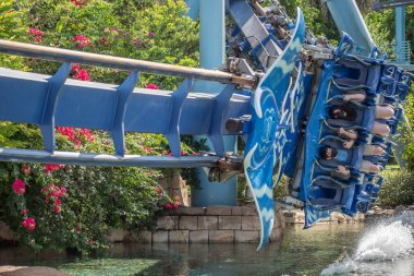 Orlando, Florida. November 15, 2020. People enjoying Manta Ray rollercoaster at Seaworld (4)