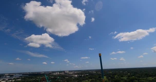 Tampa, Florida. 15. srpna2021. Jízda na horské dráze v Busch Gardens Tampa. (1)